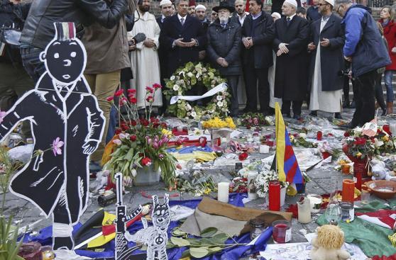 Musulmanes honran a víctimas de ataques terroristas de Bruselas