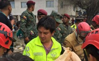 Ecuador despliega 10.000 soldados en zonas afectadas por sismo