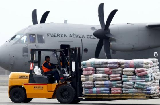 Terremoto en Ecuador: Perú envía 21 toneladas de ayuda [FOTOS]