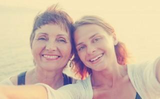 Detalles que harán sonreír a mamá en su día y no te costarán