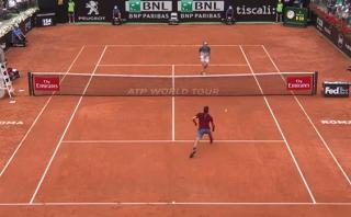 Federer y una jugada maestra ante rival 15 años menor que él