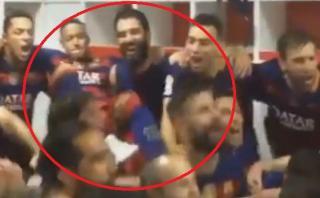 Neymar pateó a Piqué en celebración del vestuario del Barza