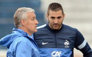 Karim Benzema acusa a Deschamps de ceder a la presión racista