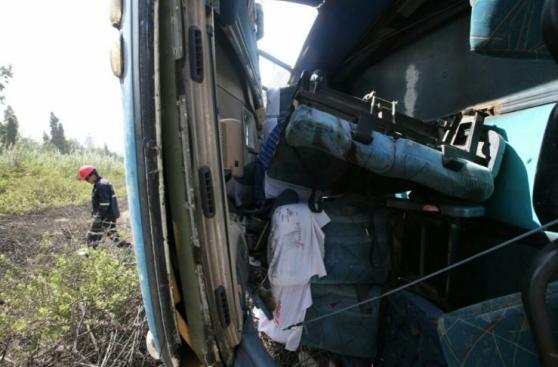 Chosica: así quedó el bus que se despistó y dejó dos muertos