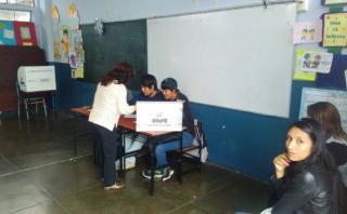Con retrasos en instalación de mesas, comienzan elecciones