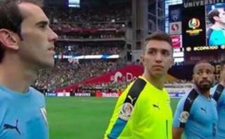 Diego Godín: ¿Por qué cantó cuando se escuchó himno chileno?