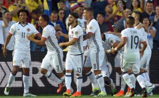 Colombia derrotó 2-1 a Paraguay y avanzó a cuartos de final