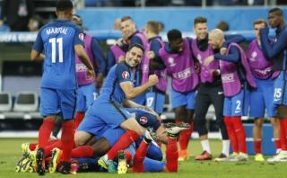 Francia venció 2-1 a Rumanía en el arranque de la Eurocopa 2016