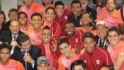 Selección peruana celebró el triunfo ante Brasil con esta foto