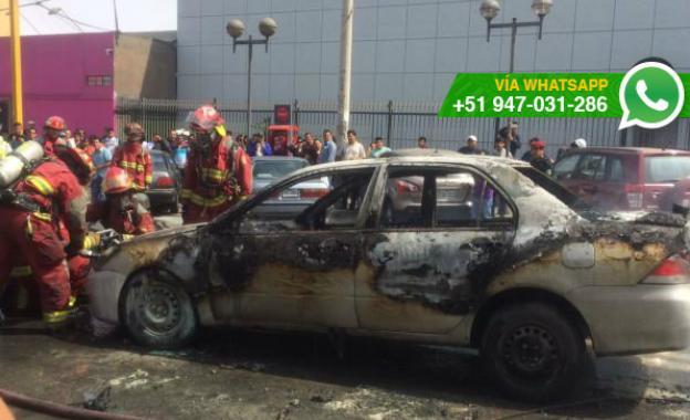 Surco: pasajero de auto incendiado en Av. Aviación salió ileso