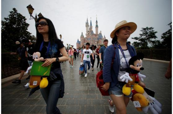 Conoce las impresionantes cifras del parque Shanghái Disneyland