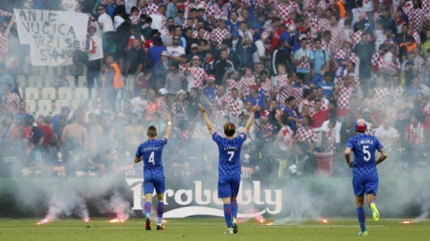 UEFA abrió expediente disciplinario a Croacia por sus hinchas