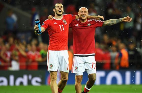 Gareth Bale: alegría desbordada por pase a octavos de Eurocopa