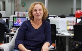 """Giovanna Pollarolo lee su novela """"Toda la culpa la tiene Mario"""""""