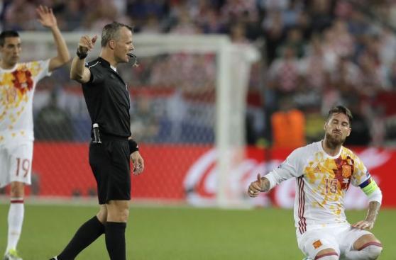 España: rostros de tristeza y frustración por caída en Eurocopa