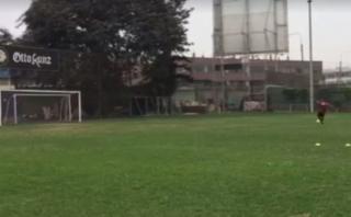Jefferson Farfán alista su puesta a punto en un campo desolado