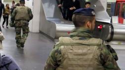 Francia: Hallan soldado sin vida en centro comercial de París