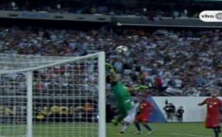 Argentina vs. Chile: la espectacular tapada de Claudio Bravo
