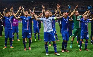 """Islandia agradeció a sus aficionados con este emotivo """"haka"""""""
