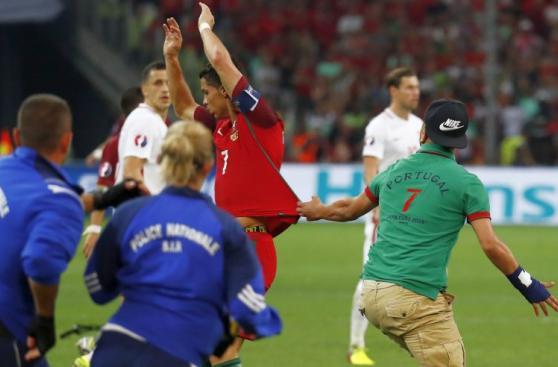 Cristiano Ronaldo: un hincha y su frustrado intento por tocarlo
