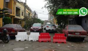 SJL: cierran calle para que autos sean estacionados