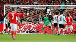 Gales vs. Bélgica: Williams marcó el empate (1-1) de cabeza
