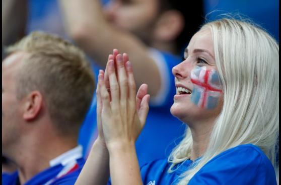Francia vs. Islandia: bellezas y el color de la previa en París