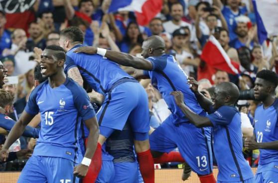 El eufórico festejo de Francia por el pase a final de Eurocopa
