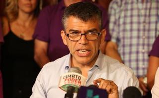 Guzmán denuncia que le pidieron dinero para seguir en campaña