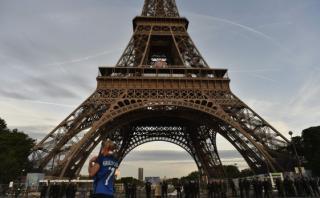 Niza: Torre Eiffel lucirá los colores de la bandera de Francia