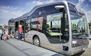 Mercedes-Benz presentó su bus autónomo urbano [VIDEO]
