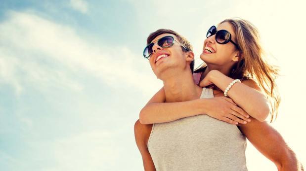 ¿Solas  o con pareja? Estudio dice quiénes son más felices