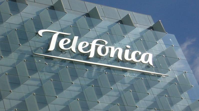 1. Telefónica. Una de las empresas de telecomunicaciones más grandes del mundo fue atacada pero, según el responsable de ciberseguridad de Telefónica, el antiguo hacker español Chema Alonso, los equipos infectados se mantuvieron bajo control y fueron reinstalados. En el Perú, la empresa corrió la misma suerte. (Foto: AFP)
