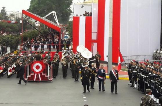 Gran Parada Militar: el paso de las compañías por la Av. Brasil