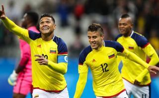 Colombia ganó 2-0 a Nigeria y ambos pasan a cuartos de final