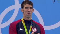 Michael Phelps se emocionó hasta las lágrimas en premiación