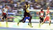 Usain Bolt pasó sin problemas a semis de 200 metros [FOTOS]