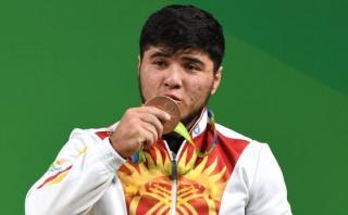 Río 2016: pesista es el primer atleta descalificado por dopaje