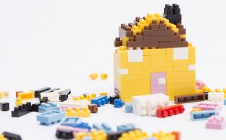 Cinco ideas divertidas para decorar con legos