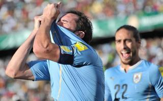 Godín pide 'transparencia' en contrato de camiseta de Uruguay
