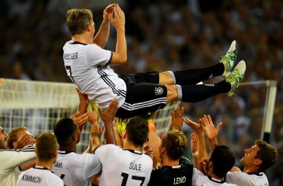 Schweinsteiger se despidió entre lágrimas de selección alemana