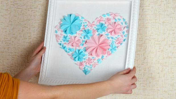 DIY: Crea un original cuadro usando papel lustre y cartulinas