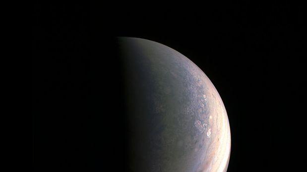 La NASA compartió imágenes de los polos de Júpiter