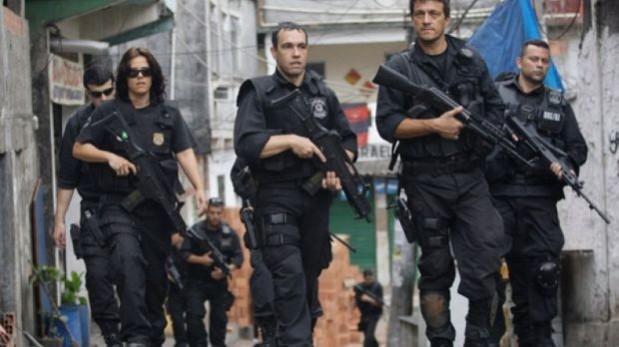 Brasil: Tiroteo entre policías y criminales deja 5 muertos