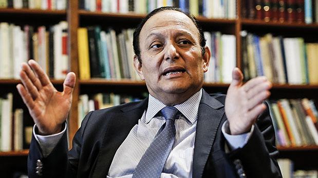 Walter Gutiérrez, a la cuarta vez defensor del Pueblo