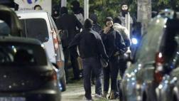 """París: Mujeres detenidas eran """"guiadas"""" por el Estado Islámico"""