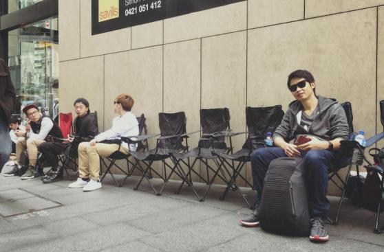 Bloguero viajó más de 7 mil kilómetro y acampó por el iPhone 7
