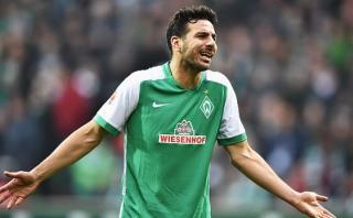 Claudio Pizarro volvería a jugar con Werder Bremen en noviembre