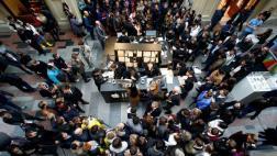 El iPhone 7 llegó a Rusia y el furor se vivió desde la fila