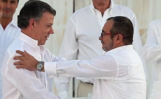 Las FARC felicitan a Santos por el premio de Nobel de la Paz